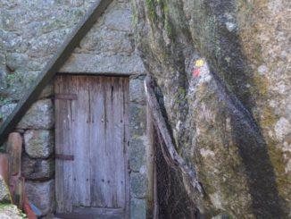 Portugal, Monsanto – small door, Nov.2014