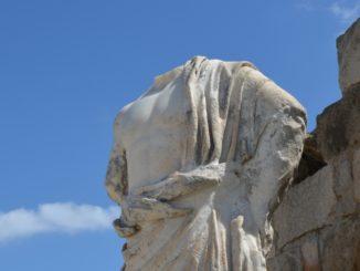 Salamis – statue, Apr.2015
