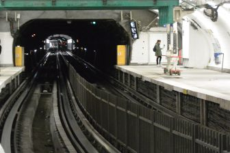 Francia-Parigi-metro-stazione