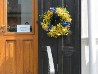 old town – door with the wreath, Aug.2015