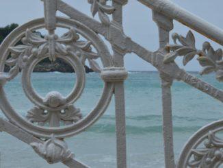 Spain, San Sebastian – white railing, May 2014