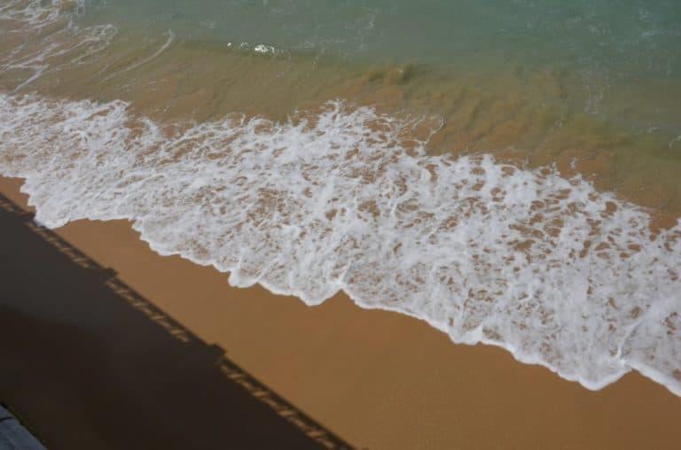 Camminare in spiaggia