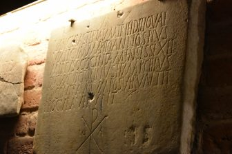 tomba-donna-100-anni-milano-sant-eustorgio