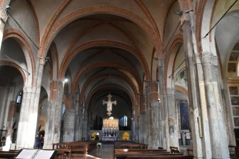 interno-basilica-sant-eustorchio-milano
