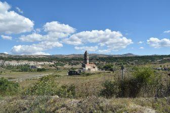 Codrongianos-Basilica di Saccargia-prati
