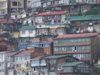 India, Shimla – houses, Sept.2006