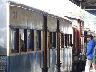 India, Shimla – train, Sept.2006