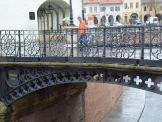 Liar's Bridge
