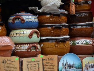 Romania, Sinaia – pots, Apr. 2014
