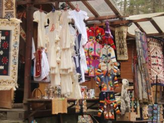 Romania, Sinaia – stalls, Apr. 2014