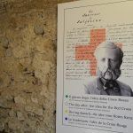 赤十字を結成したアンリ・デュナンを説明するポスター