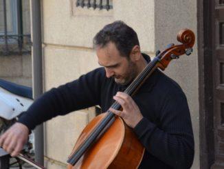 Spain, Toledo – cellist, Mar. 2014