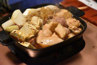 Un ristorante di sukiyaki di pollo molto interessante