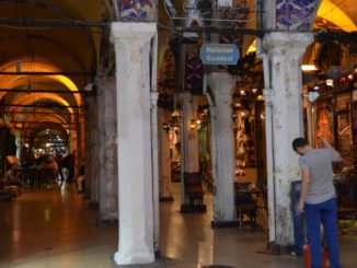 Everyone must go to the Grand Bazaar