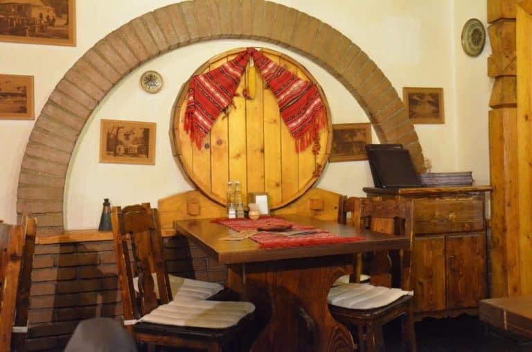 Outlaw's inn