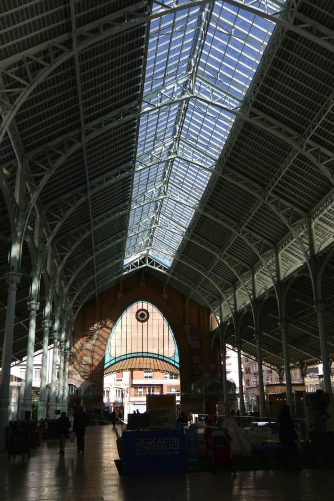 コロン市場―奥行き 2016年2月 (バレンシア)