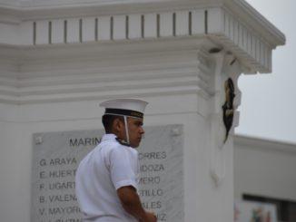 Plaza Sotomayor – sailor, Dec.2015