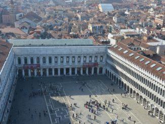 Salendo sul Campanile di Piazza San Marco