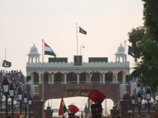 India, Wagah – border, Sept.2006