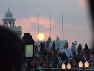 India, Wagah – sunset, Sept.2006