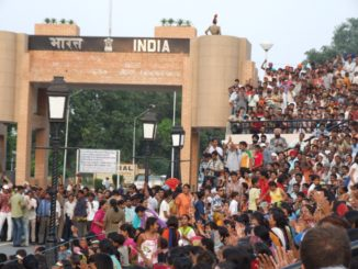 India, Wagah – gate, Sept.2006