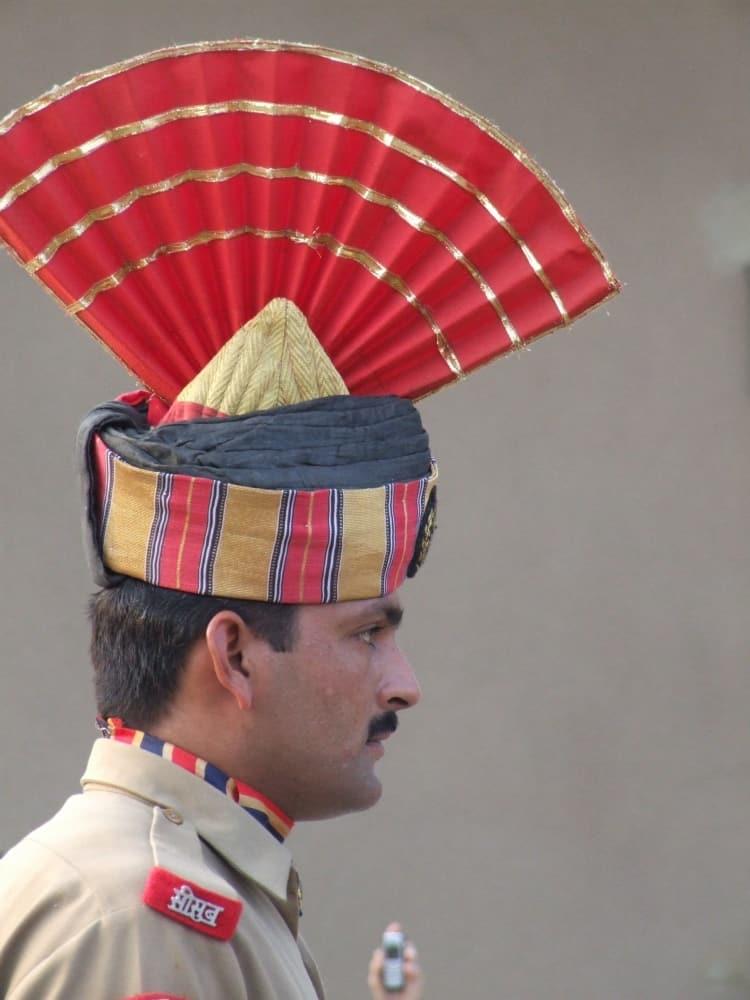 India, Wagah – uniform, Sept.2006 (Amritsar)