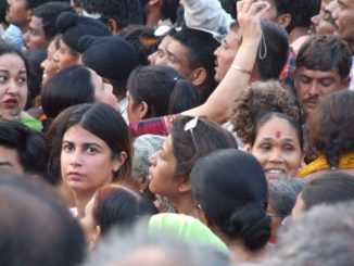 India, Wagah – a face in crowd, Sept.2006