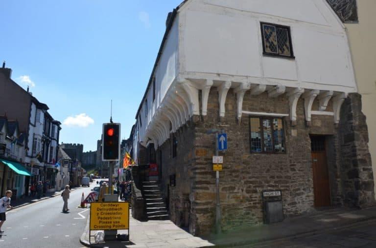 ウェールズ最古の家で