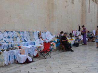 Mujeres de al lado de la Catedran