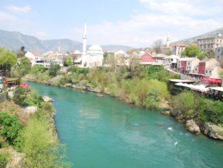 Mostar – green river, Apr. 2009