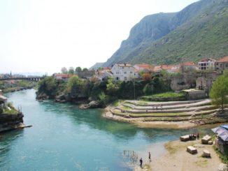 Mostar – view from bridge, Apr. 2009