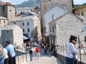 Mostar – on the bridge, Apr. 2009