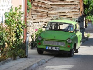 Bulgaria, Bansko – an old car, 2011