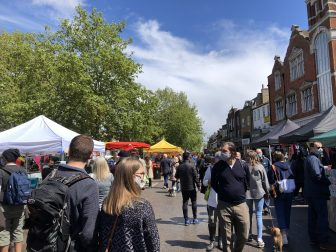 covid-19-mercado-del-queso-Chiswick-Londres-barrio-Inglaterra