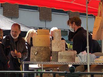 Mercado-del-queso-Chiswick-barrio-Oeste-Londres-Inglaterra-Covid