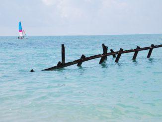 Cuba, Playa Ancon – yacht, spring 2010