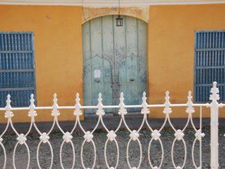 Cuba, Trinidad – yellow house, spring 2010