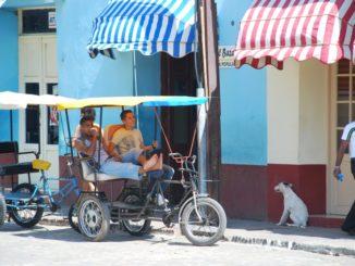 Cuba, Trinidad – waiting, spring 2010