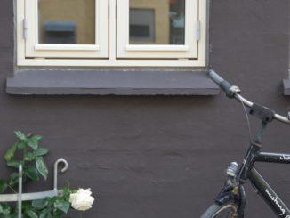 Denmark, Odense – grey wall, August 2012
