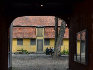 Denmark, Odense – yellow house over there, Aug. 2012