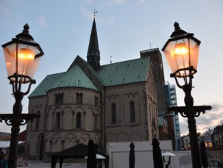 Denmark, Ribe – lamps and church, July2012