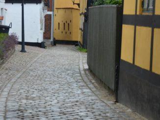 Denmark, Ribe – lane, July2012