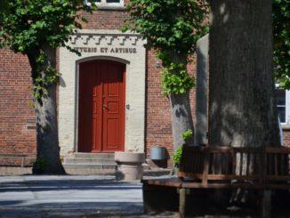 Denmark, Ribe – red door, July2012