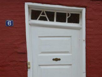 Denmark, Ribe – warped door, July2012
