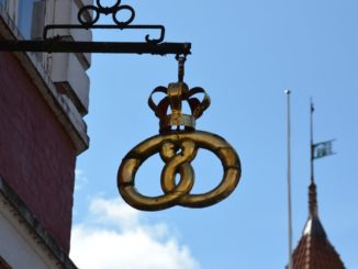 Denmark, Ribe – sign with crown, July 2012