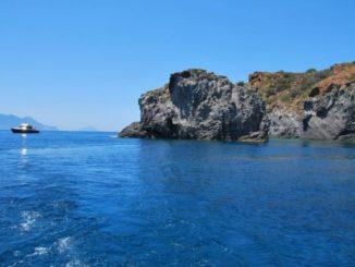 パナレア島の海底噴気孔
