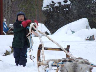 フィンランド、イナリ-子供 2006年