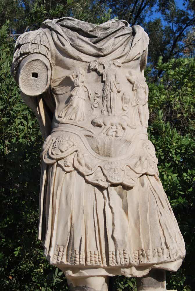 Grecia, Atene – statua, agosto 2009 (Atene)