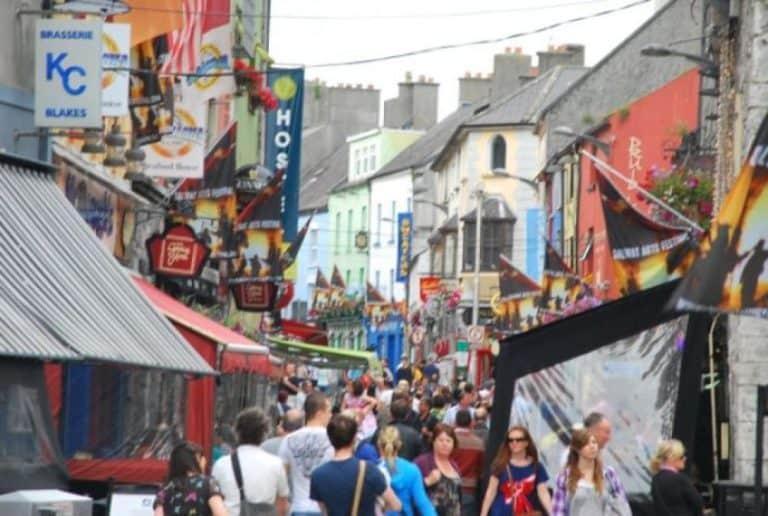 Galway, una città con gli Hippies