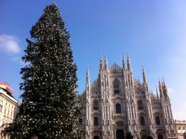 El árbol de navidad en Milán